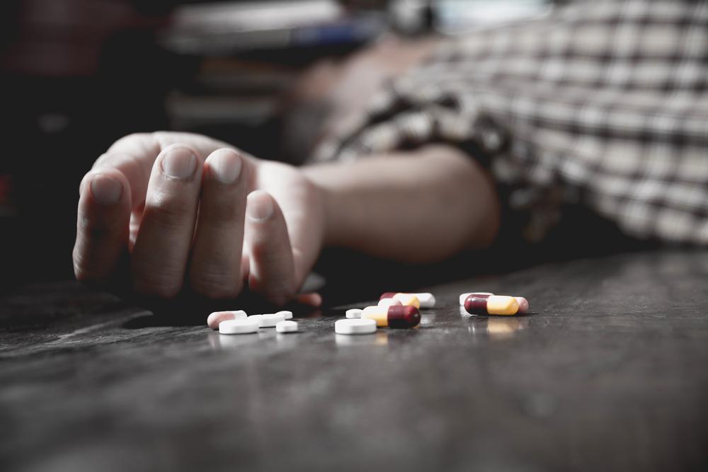 overdosing-man-opiates